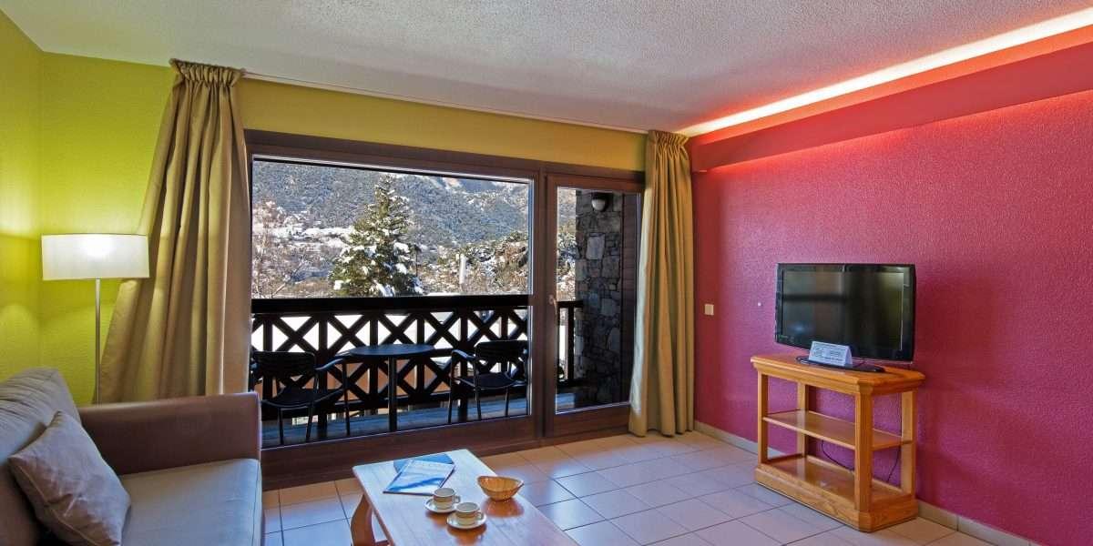 sejour appartement deux chambres avec acces au balcon avec vues